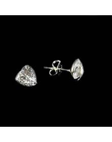 Brinco Coração Ponto de Luz Pequeno 4mm em Prata Semijoia